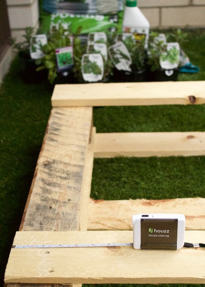 DIY Project: How to Build a Vertical Pallet Garden