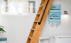 Beach Tiny House - Loft Ladder
