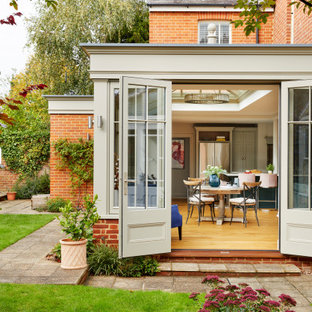 Family residence modernised with a kitchen-diner orangery