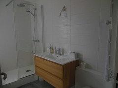 Besoin d\'aide pour la disposition de la faïence dans une salle de bain