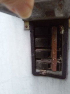 Is there a cutoff in the electric meter for working on the