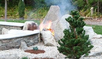 Backyard Patio & Fire Pit