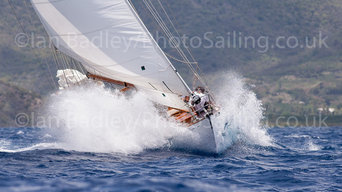 Classic Yacht pictures