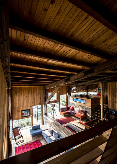 Family Room by Matra architects and rurban planners