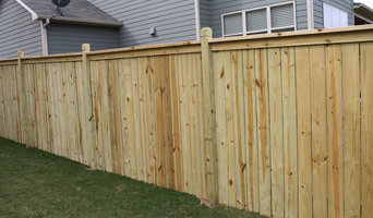 Cap & Trim Fence with Exposed Routed Posts