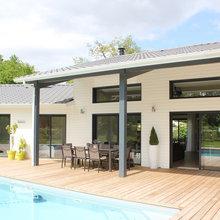 Une maison Bois design et confortable - Modern - Terrasse ...