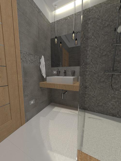 Bagno lungo e stretto doccia passante for Doccia passante