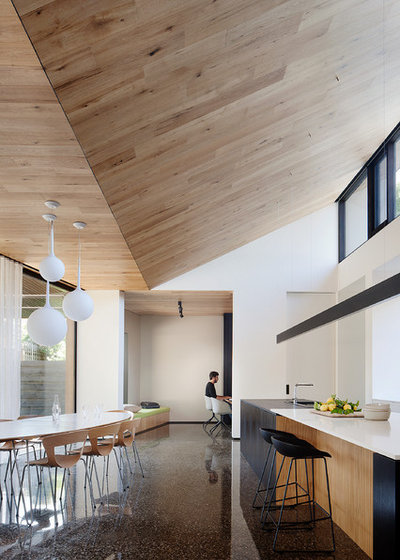 by Moloney Architects