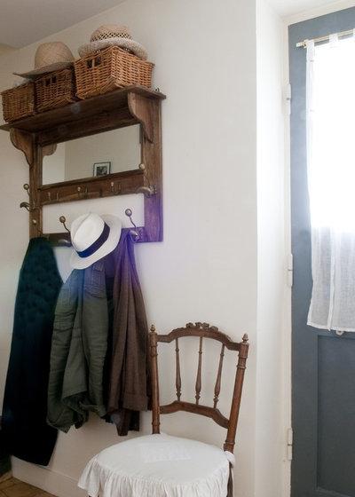 astuces rangement 15 solutions gain de place pour tirer parti d 39 une petite entr e. Black Bedroom Furniture Sets. Home Design Ideas