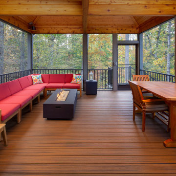 Trex Screen Room and Deck with Two Different Colors