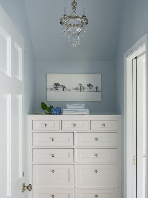 Mid-Sized Closet Design Ideas, Remodels & Photos
