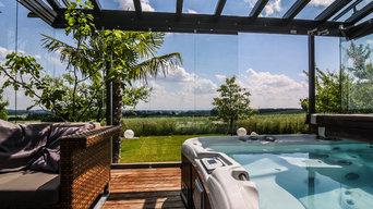 Glashaus mit Whirlpool