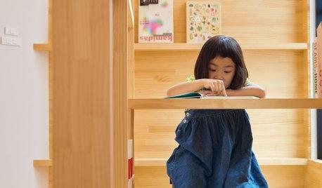 Houzz Япония: Узкий дом в Осаке с необычной лестницей