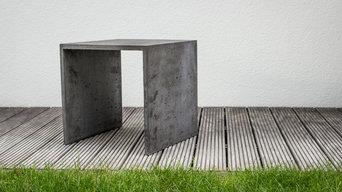 Konzept Beton Hocker