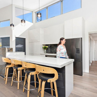 Inspiration for a beach style kitchen in Wollongong.