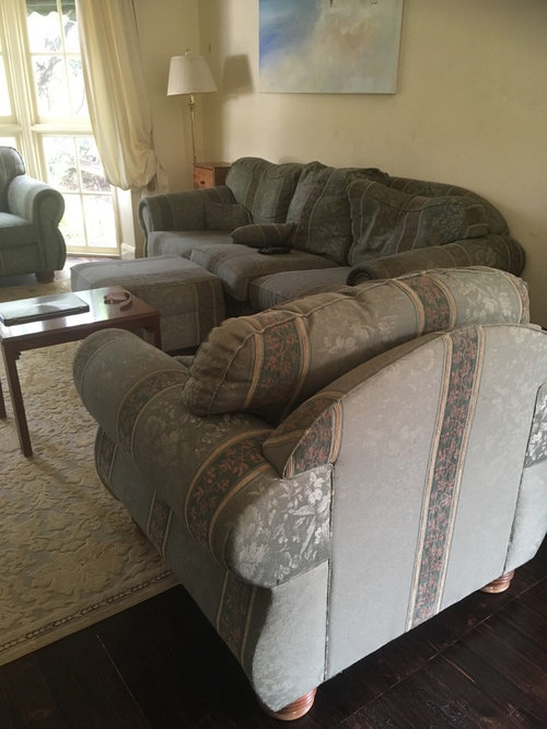 Couch And Two Accent Chairs.Cream Sofa With Two Accent Chairs