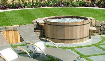 Backyard wood hot tub setting