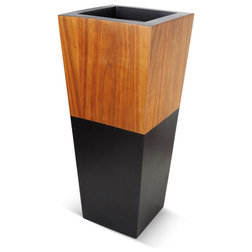 Contemporary Outdoor Pots And Planters by Le Present