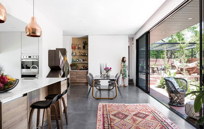 Houzz Tour: Versatility Rules in a Reconfigured Home for Two