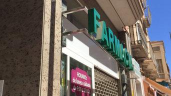 reforma fachada farmacia Santamaria en Aguilas.