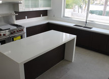 What is the material and color of the counter ? its beautiful....