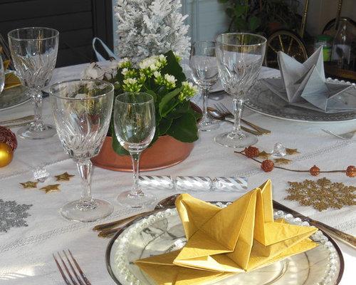 dresser une table de f te or argent cuivre sur fond blanc. Black Bedroom Furniture Sets. Home Design Ideas