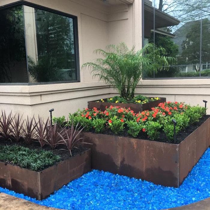Steel box planter