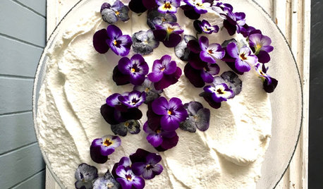 Grow, Then Eat, These Beautiful and Delicious Flowers