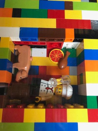 Suivez Le Guide : Marie passe 3 ans au chevet de la 'maison Lego'