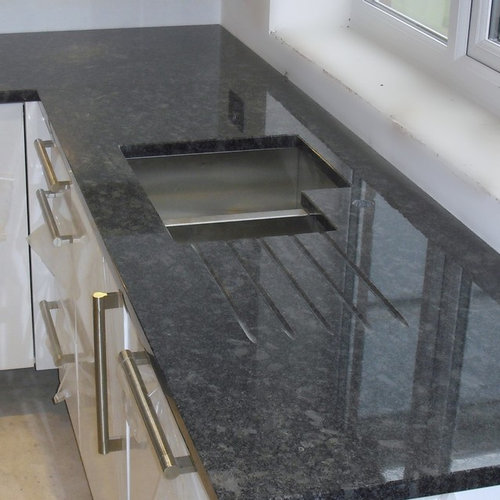 Gray Granite Kitchen: Gray Granite