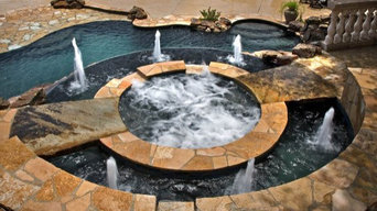 Custom Spa with Moat - By Dominion Pool Group, Inc.