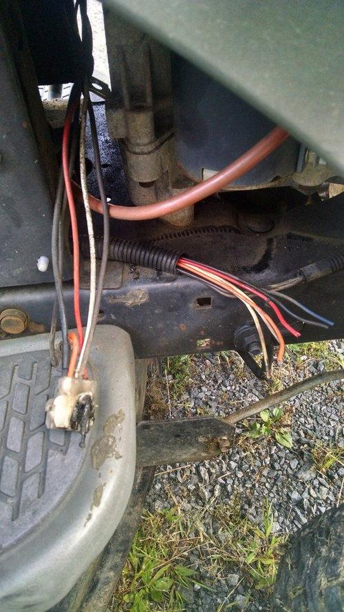 Craftsman LT 2000 Wire Problem