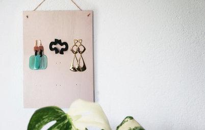 Hazlo tú mismo: Un organizador de pendientes para colgar en casa