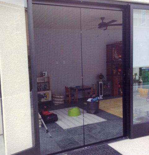 Patio door retractable screen for Retractable patio screen door