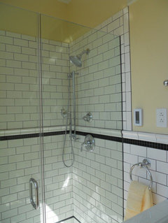 Frameless Glass Shower With U Channel Hidden Between Tiles?