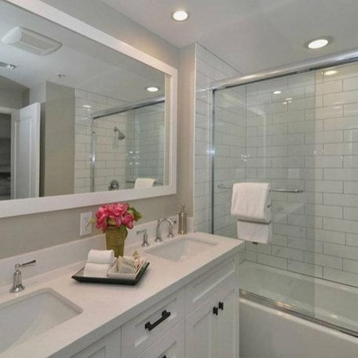 Glendale Upstairs Guest Bathroom