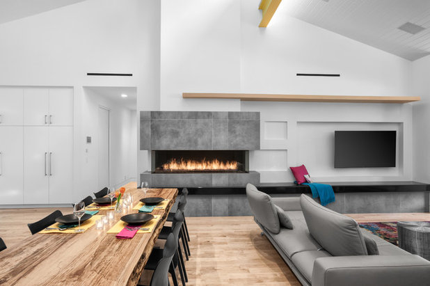 Midcentury  by RD Architecture, LLC