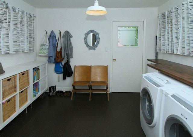 Modern  by Jenn Hannotte / Hannotte Interiors