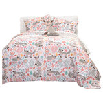 Lush Decor - Pixie Fox Quilt Gray/Pink 4Pc Set Full/Queen - This cute and fun set is a great pickup for children of all ages. Foxes are playfully frolicking in a field and appear as if they are truly in motion. On the bottom layer, you have a cascade of lovely hearts to cover your loved ones as they sleep.