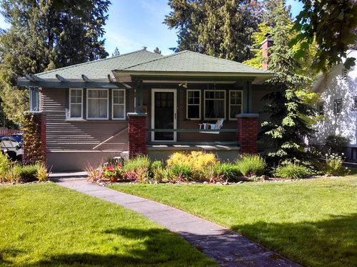 exterior paint colors for a house with green roof