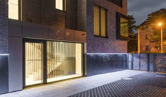 100% outdoortaugliche Fassadenbeleuchtung, per App steuerbar
