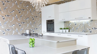 Bright & Calm Contemporary Kitchen
