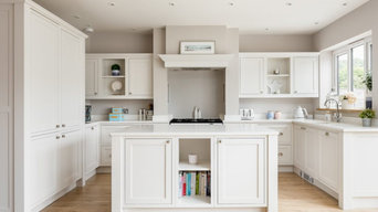 Handmade Shaker style kitchen painted in Farrow and Ball 'Strong White'