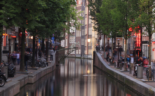 Joris Laarmann, MX3D, Autodesk: 3D-printed Bridge in Amsterdam (Illustration)