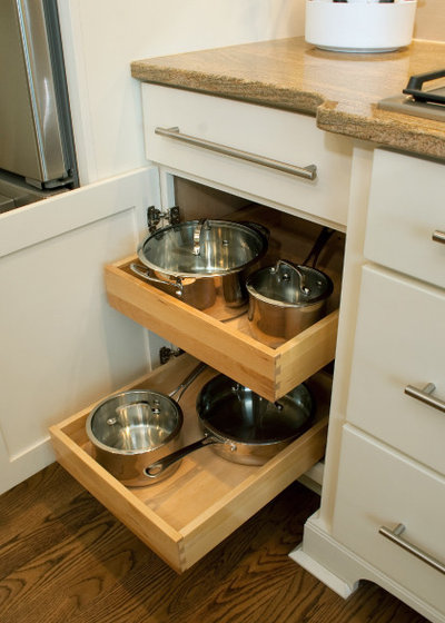 Contemporary Kitchen Drawer Organizers By Cliqstudios