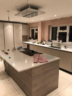 Kitchen colour scheme - help please