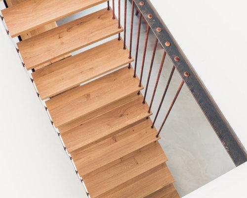 Kragarmtreppe mit Stäben und Bolzen in Rostoptik - Produkte