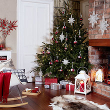 Classic Red Christmas Look Book