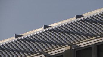 Sonnenschutz außen aus Aluminium Lamellen