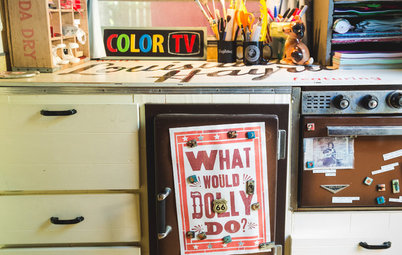 My Houzz: Inside the Austin Home of a Vintage-Style Neon Artist